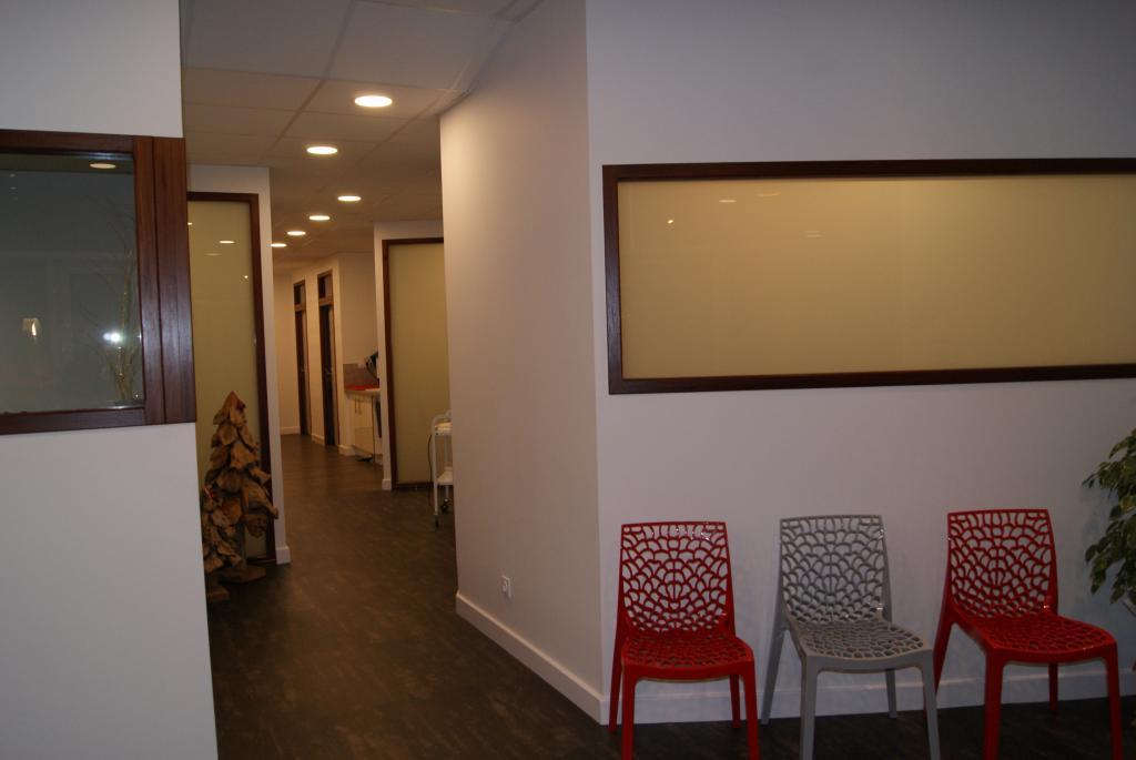 r novation local professionnel gap 05. Black Bedroom Furniture Sets. Home Design Ideas